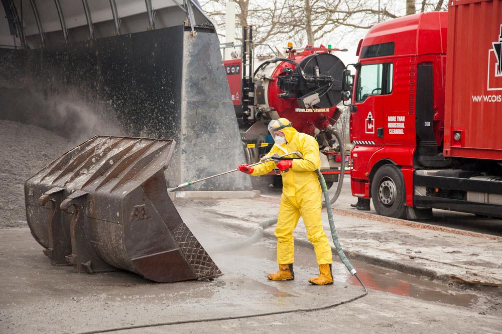 Industriële reiniging van machines en installaties